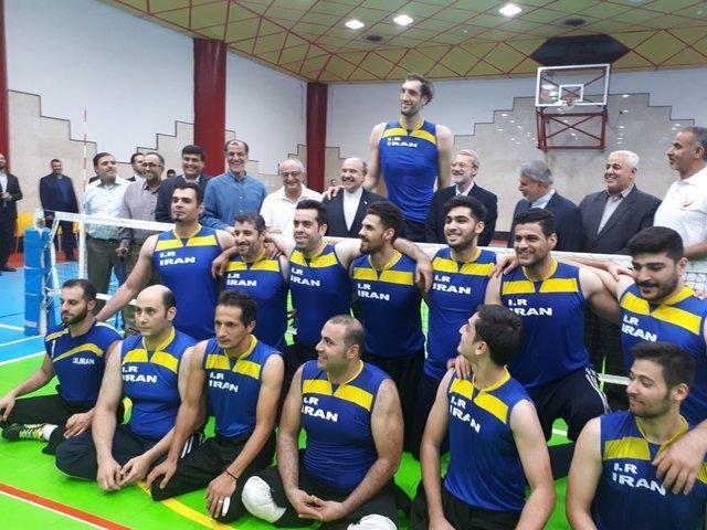 حضور وزیر ورزش و رییس مجلس در اردوی ورزشکاران اعزامی به بازی های پاراآسیایی