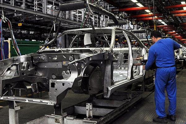 خودروسازها خودرویی که می توان فراوری کرد را پیش فروش نمایند