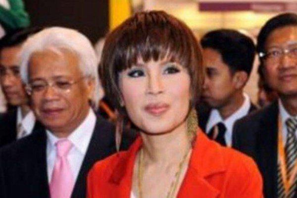 خواهر پادشاه تایلند از شرکت در انتخابات منصرف شد