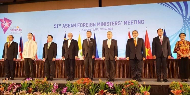 سند الحاق ایران به پیمان مودت و همکاری آ.سه.آن در سنگاپور امضا شد