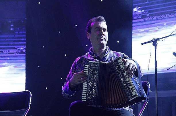 طنین موسیقی آذربایجان از ونکوور تا اردبیل، اجرای قطعه 300 ساله