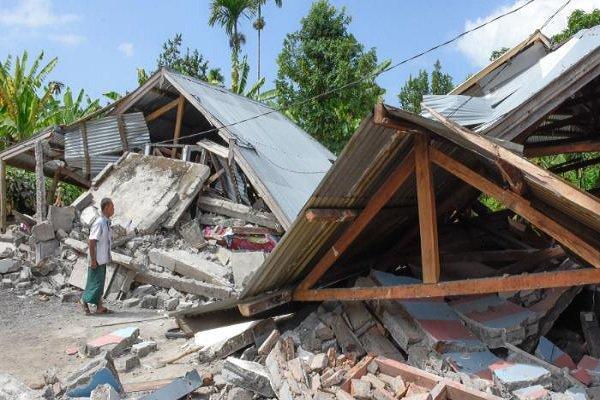 زلزله 7 ریشتری اندونزی 19 کشته و ده ها زخمی به دنبال داشت