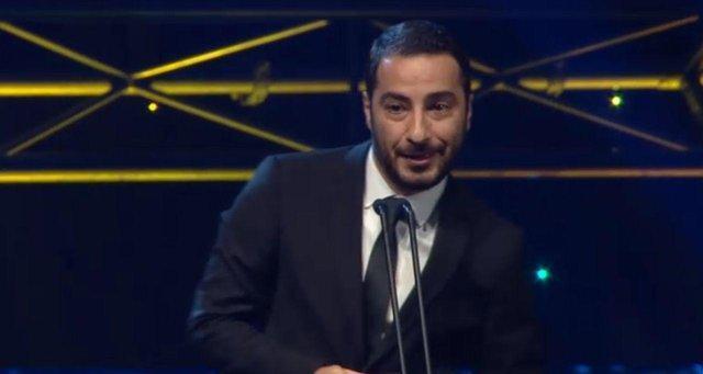 تقدیر ویژه جوایز آسیاپاسیفیک از نوید محمدزاده، تقدیم جایزه به زلزله زدگان