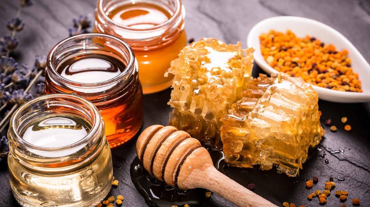 روز جهانی زنبور عسل؛ 10 مورد از خواص دارویی عسل و مشهورترین انواع عسل