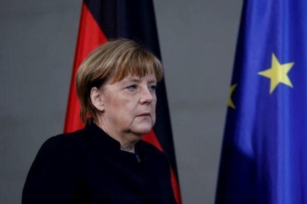 مرکل خواهان همبستگی هرچه بیشتر آلمان با اتحادیه اروپا شد