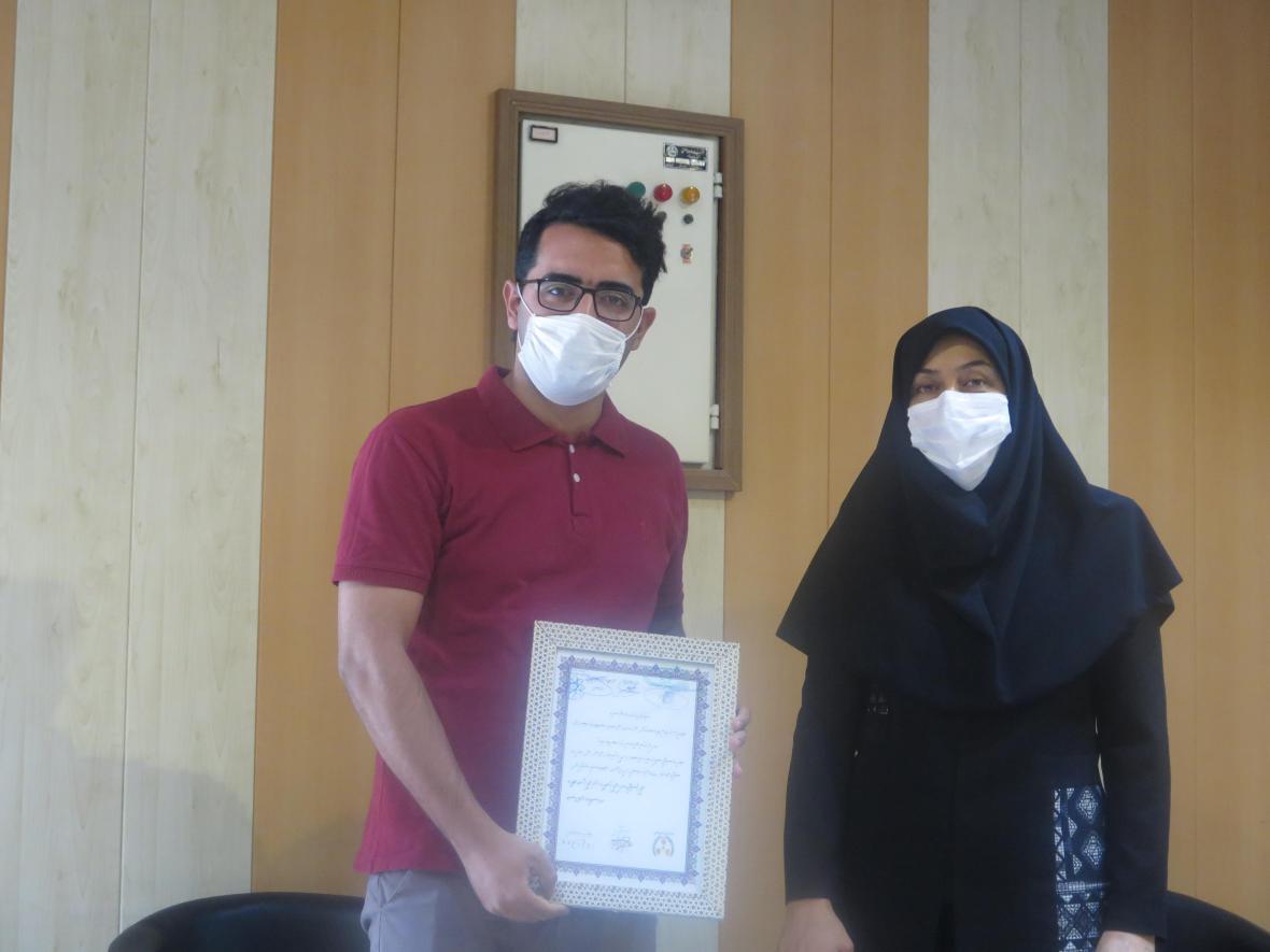 دانشجوی دانشکده پزشکی تبریز پیروز به دریافت جایزه ملی فیزیک بهداشت سیمین شد