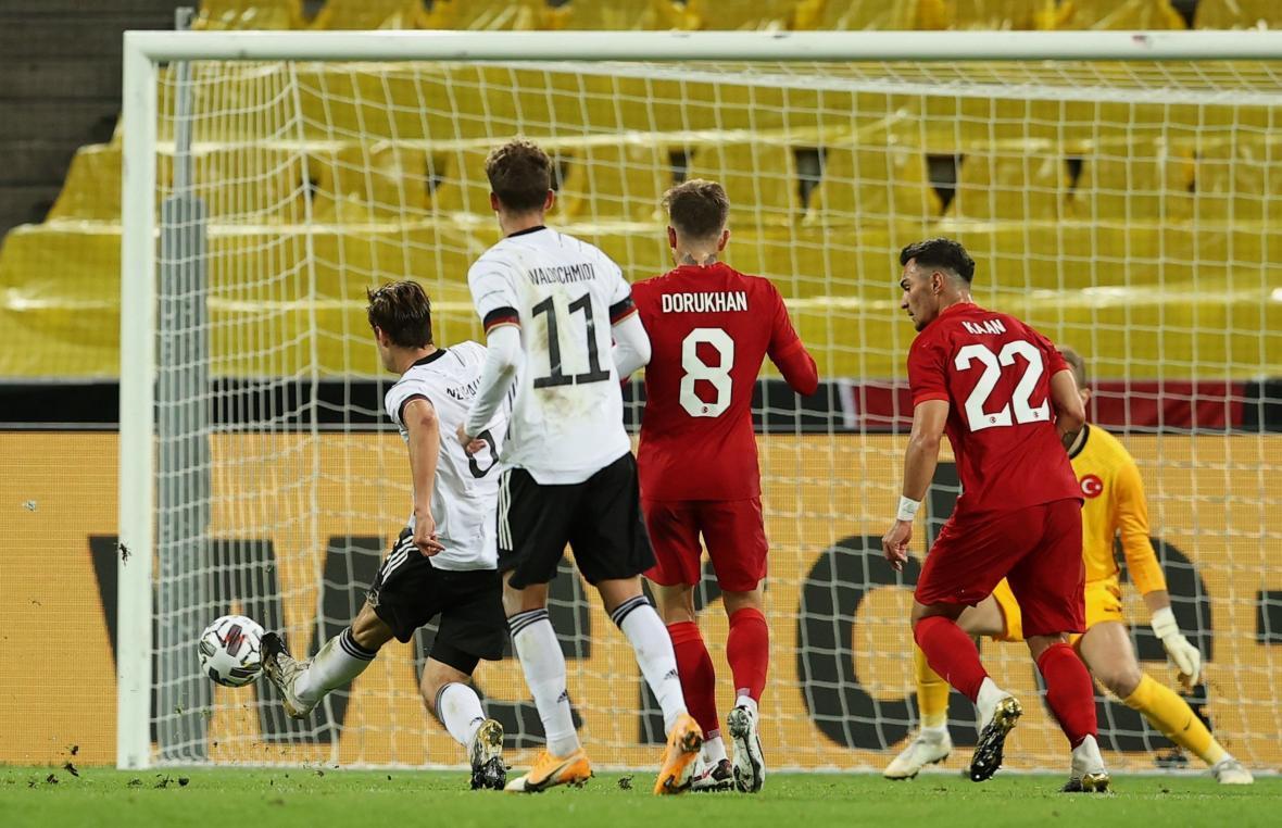 تساوی پرگل آلمان و ترکیه در شب آتش بازی ایتالیا مقابل مولداوی