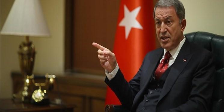 وزیر دفاع ترکیه: سخنان ماکرون فتنه انگیزی علیه ترکیه است