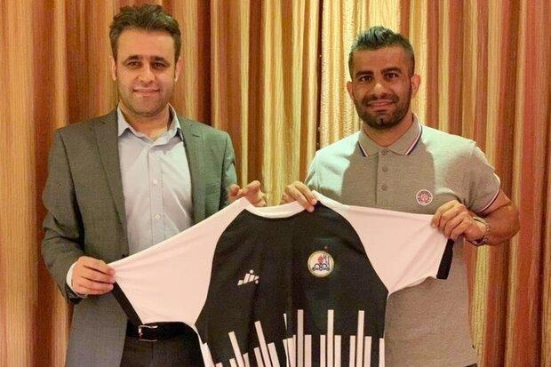 قرارداد کاپیتان تیم فوتبال نفت مسجدسلیمان تمدید شد