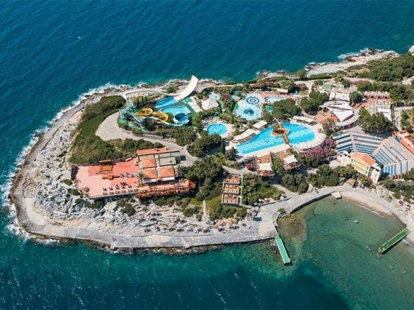 با اقامت در این 5 هتل کوش آداسی سفر به ترکیه بی نظیر می شود!
