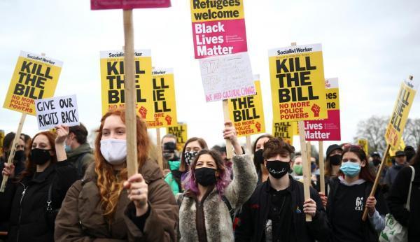 تظاهرات سراسری بریتانیا در اعتراض به قدرت گیری پلیس