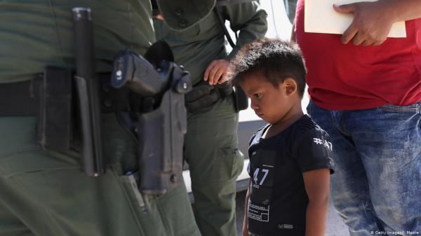 واکنش کاخ سفید به نگهداری بچه ها مهاجر در اتوبوس