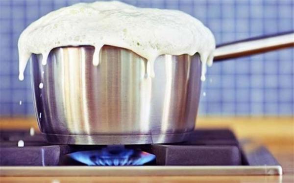 جوشاندن شیر باعث از بین رفتن کلسیم می شود؟
