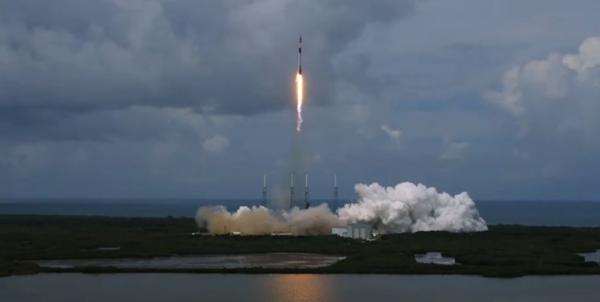 88 ماهواره اینترنتی به فضا رفت